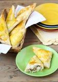 金枪鱼、玉米和花椰菜三角 免版税库存图片