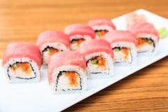 金枪鱼和软的螃蟹卷 免版税库存照片