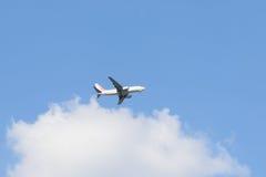 金浦市,韩国- 2014年9月13日:EASTAR空气飞机在t附近的 免版税库存图片