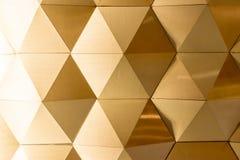 金的白色几何墙壁 免版税库存照片