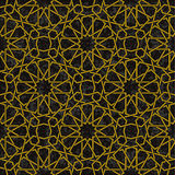 金线样式有在阿拉伯样式的黑背景 免版税图库摄影