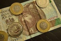 金融法案和硬币波兰10 zÅ '2 zÅ '1 zÅ '10 gr 库存图片