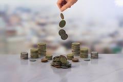 金钱和手 库存图片