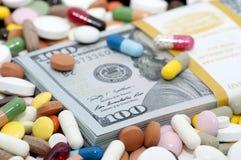 金钱和药物 库存图片