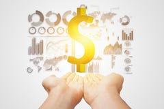 金钱在手中与企业市场信息 免版税图库摄影