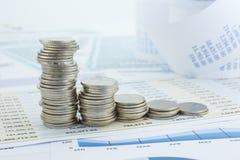 金钱硬币堆曲线  免版税库存照片