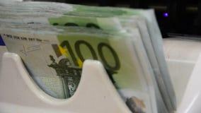 金钱计数100欧洲笔记特写镜头 影视素材