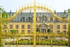 金门在Herrenhausen庭院里,汉诺威,德国 免版税库存照片
