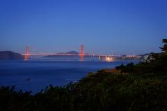 金门大桥在旧金山加利福尼亚在晚上 免版税库存照片