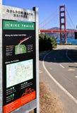 金门大桥自行车足迹标志 免版税库存图片