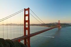 金门大桥,旧金山在黎明 免版税库存照片