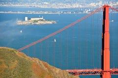 金门桥和恶魔岛 免版税库存图片