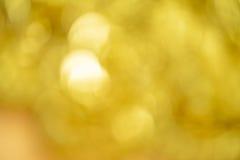 金项链、镯子、Blured和bokeh 图库摄影