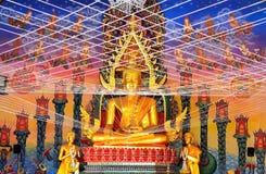 金黄佛教徒在泰国 免版税库存照片