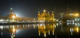 金黄印度晚上寺庙 库存照片