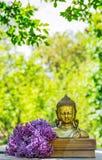 金黄古色古香的菩萨雕象 概念宗教和文化 佛教和凝思 库存图片