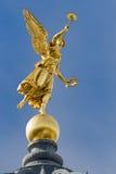 金黄天使德累斯顿 免版税库存图片