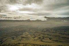金黄天空和沙丘在一个全国火山的公园 库存照片