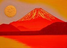 金黄太阳` s日出和红色Mt 从本栖湖日本的富士 库存图片