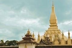 金黄寺庙(该Luang) 库存照片