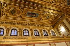 金黄屋子的天花板在维也纳consert房子里  免版税库存照片