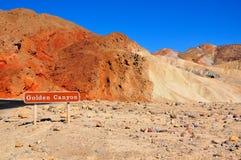 金黄峡谷在Death Valley,内华达 免版税库存图片