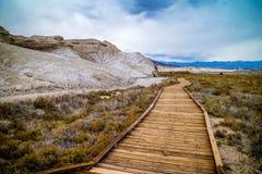 金黄峡谷足迹在死亡谷国家公园 库存照片