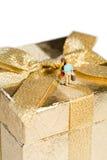 金黄庆祝的礼品 库存图片