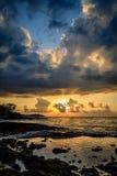 金黄日落在夏威夷 免版税库存照片