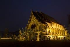 金黄晚上寺庙 免版税库存图片