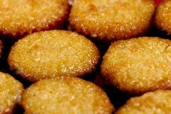 金黄横向蛋白杏仁饼干 免版税库存照片