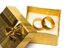 金黄环形婚礼 免版税图库摄影