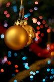 金黄球的圣诞节 库存照片