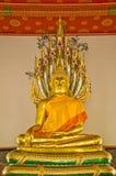 金黄雕塑 免版税库存图片