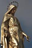 金黄雕塑 库存照片