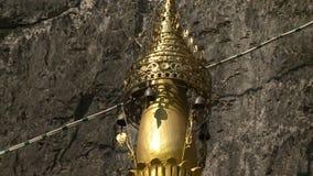 金黄雕象上面 影视素材