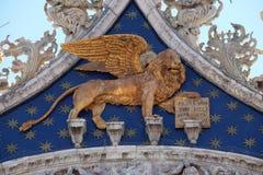 金黄飞过的狮子,威尼斯的标志 库存图片