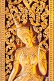 金黄Apsara。 库存图片