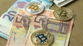 金黄bitcoin、蓝色bitcoin和银bitcoin 影视素材