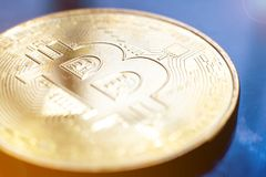 金黄Bitcoin数字式货币 免版税库存图片