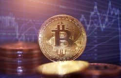 金黄Bitcoin Cryptocurrency 免版税库存照片