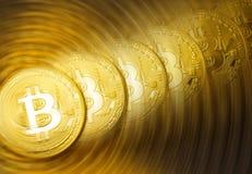 金黄bitcoins堆 图库摄影