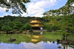 金黄ja kinkakuji京都亭子寺庙 库存图片