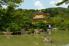 金黄Kinkaku-ji 库存图片