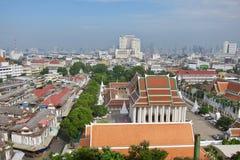 从金黄登上的曼谷视图 库存照片