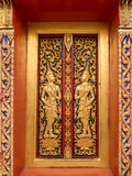 金黄佛教寺庙窗口 库存图片