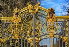 金黄加拿大Maroto门白金汉宫伦敦英国 库存照片
