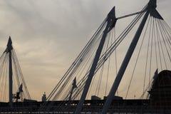 金黄周年纪念桥梁 库存图片