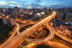 金黄圆形交通路口,上海 免版税库存照片