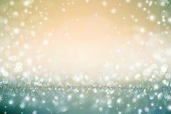 金黄圣诞节假日defocused背景 库存照片